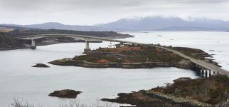 NHS Highlands Skye bridge.jpg